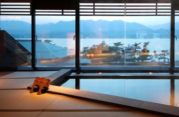 ホテル宮島別荘 (宮島 内)