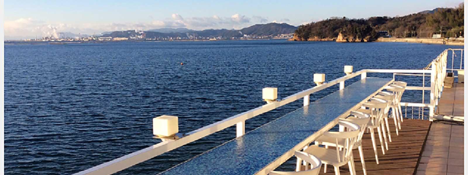 ゲストハウスから行ける海の見えるレストラン【海と料理 miya】